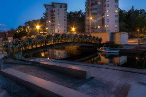 Blomsterprydd bro över Mieån - Ludwig Sörmlind