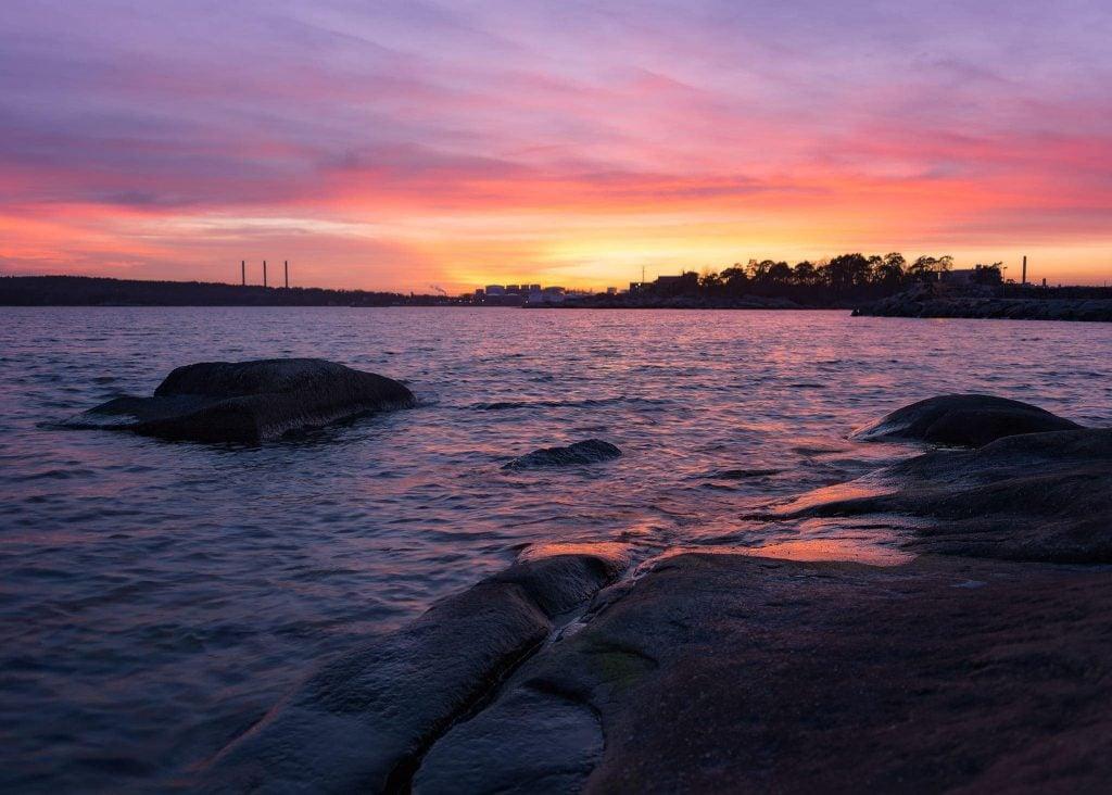 Väggahamnen i solnedgång - Ludwig Sömrlind