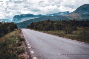 Den långa vägen mellan Kiruna och Nikkaluokta
