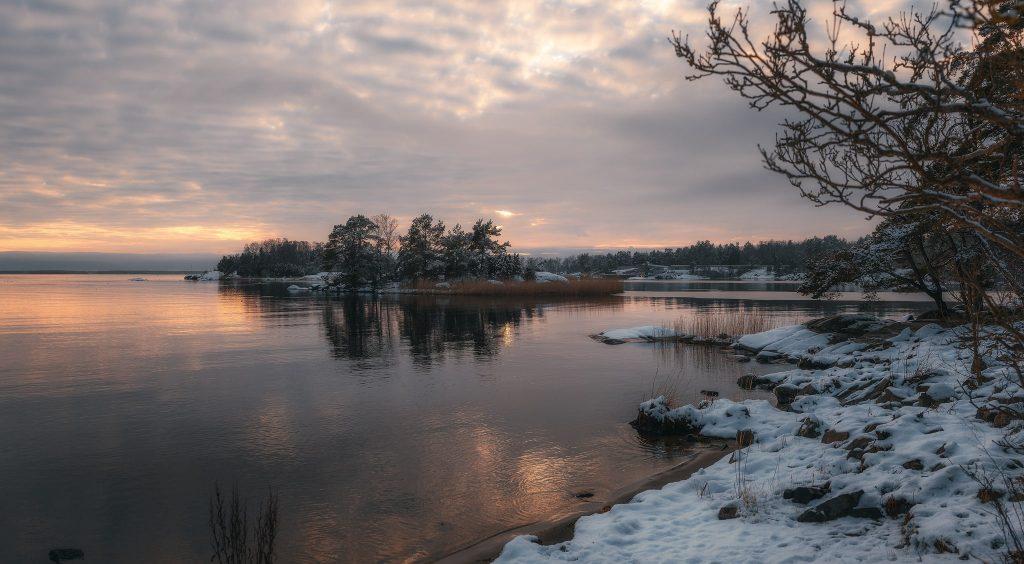 Panorama över den lilla viken i Elleholm - Ludwig Sörmlind