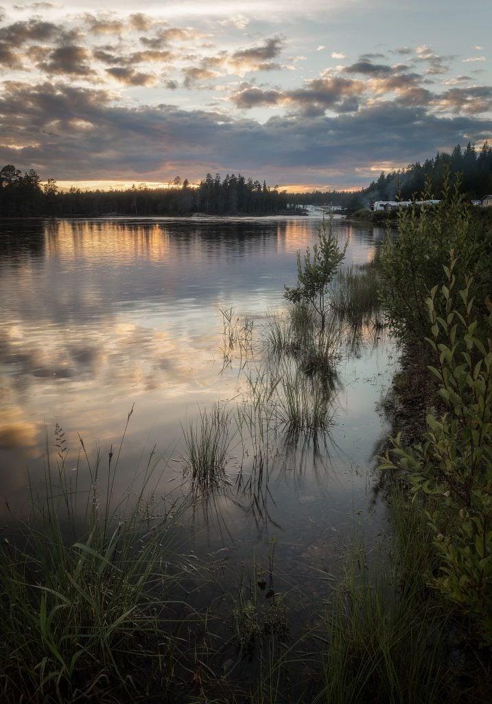 Trollforsen skymtar i horisonten - Ludwig Sörmlind